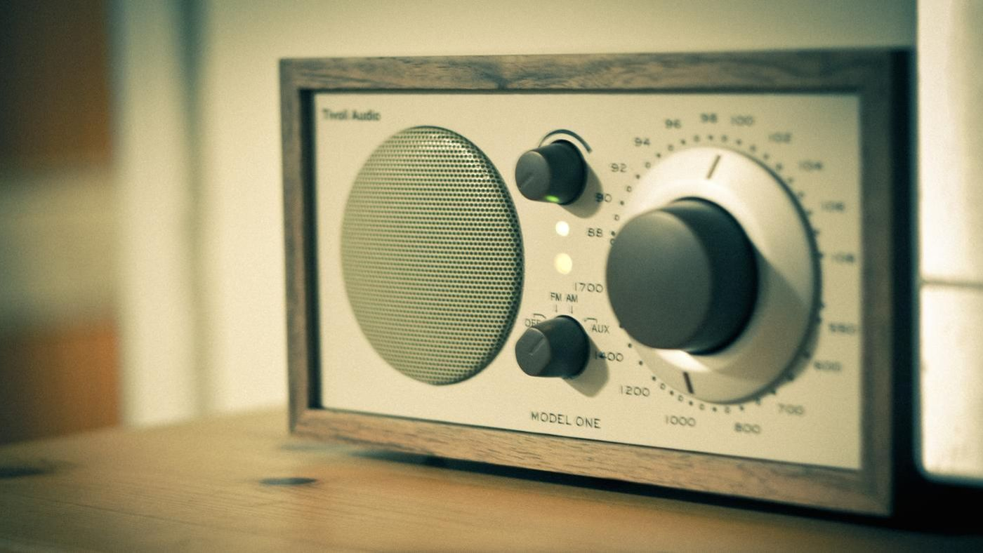 What Are The Differences Between Tv And Radio
