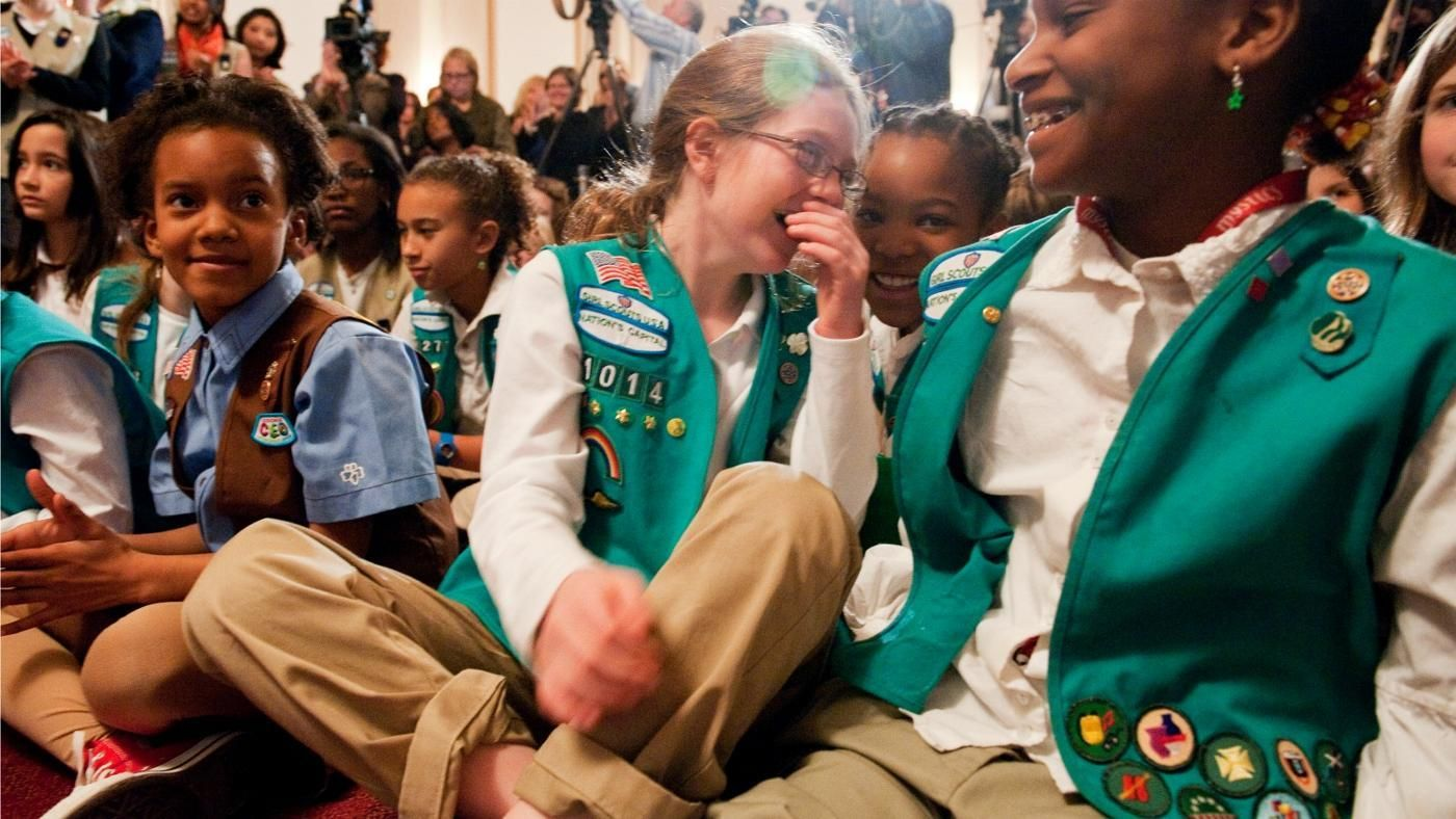 how do i earn girl scout patches reference