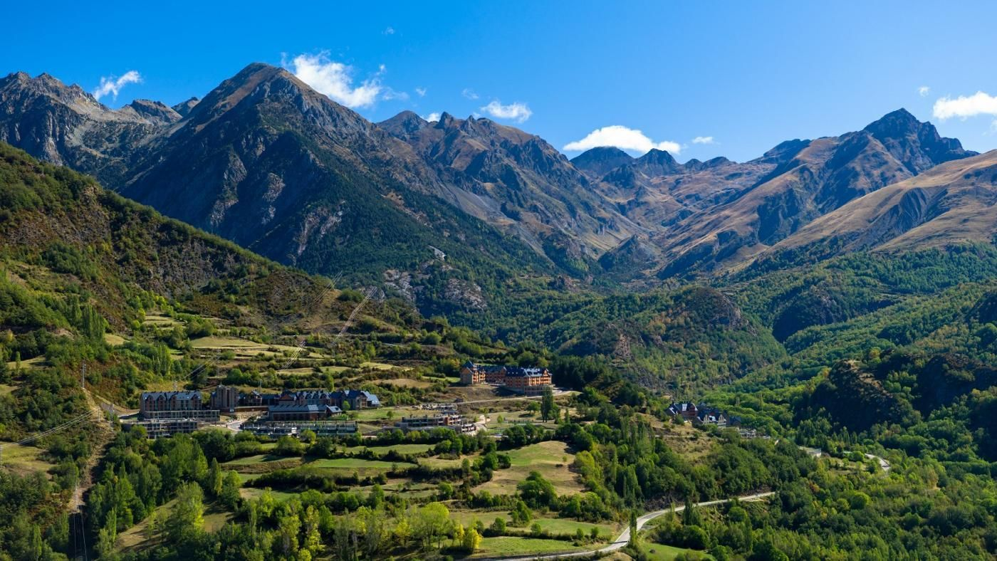 what are the five mountain ranges in spain