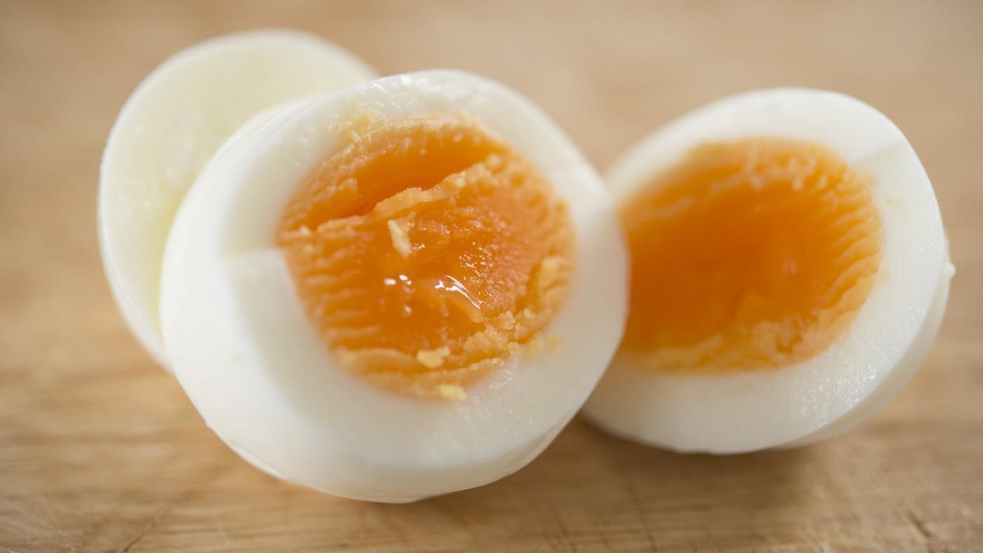 How long do you hard boil one egg and each additional egg for How long do you boil hard boiled eggs