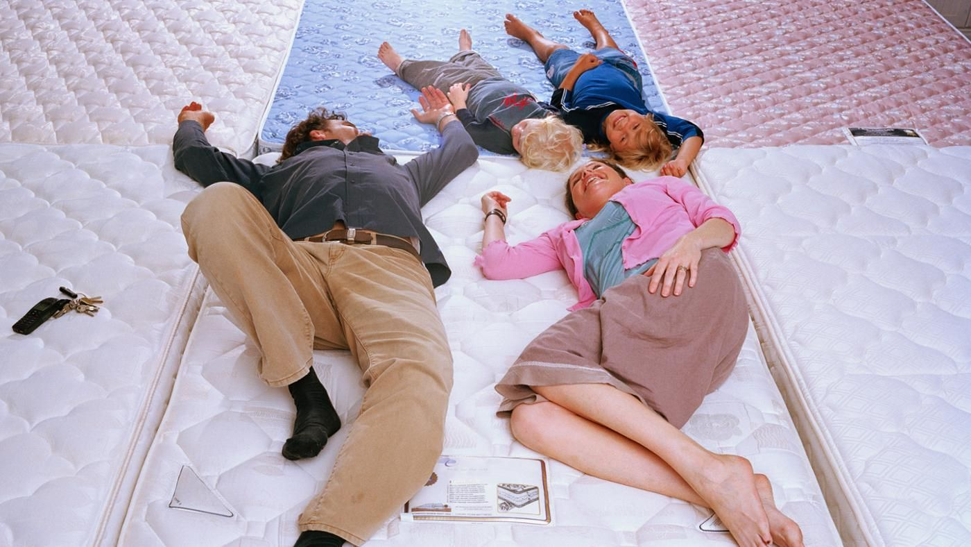 How Many People Can Sleep in a Full Size Bed? | Reference.com