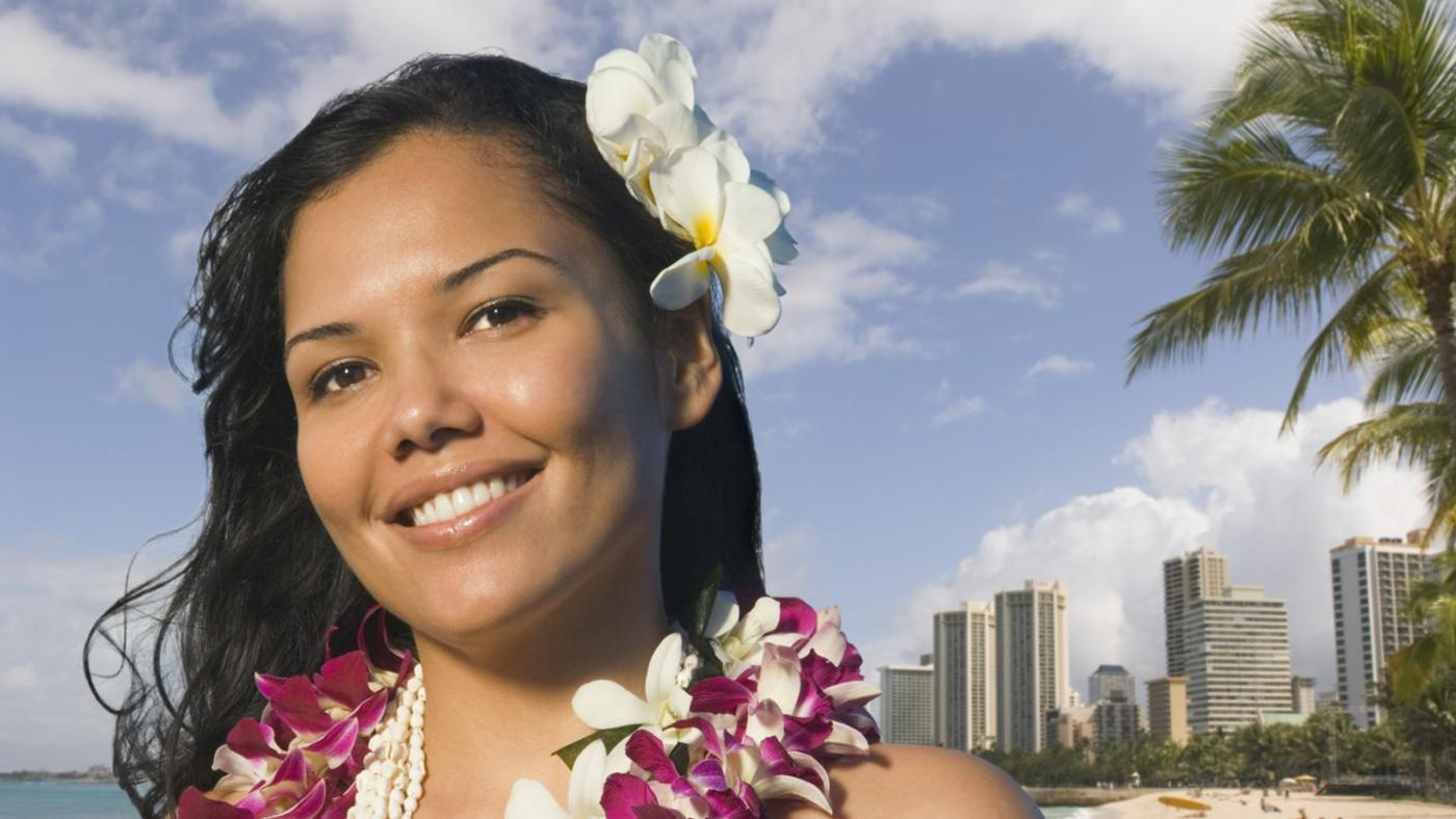 What Is The Meaning Of The Hawaiian Tradition Of Wearing A Flower Behind The Ear Reference Com