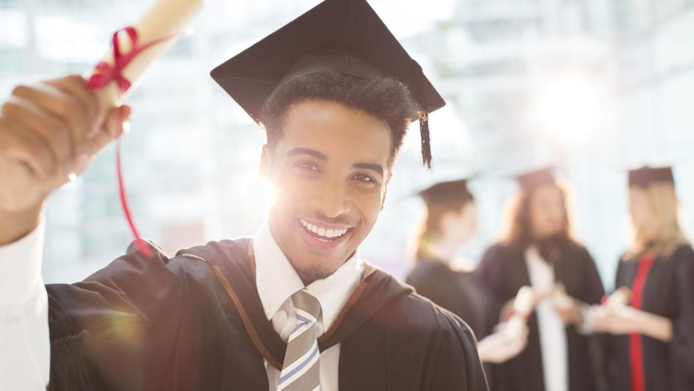 What Should Someone Wear Under a Cap and Gown? | Reference.com