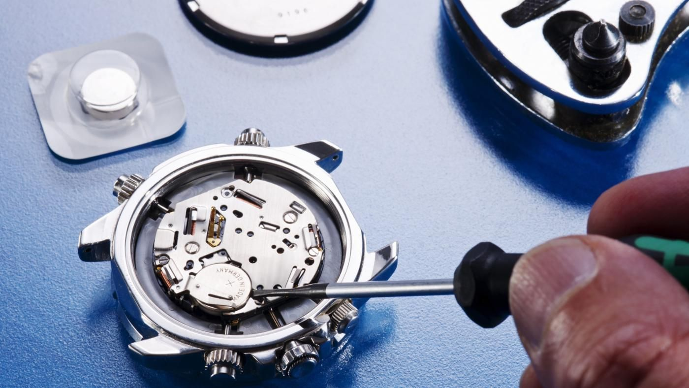 What is in a watch battery replacement kit for Watches battery