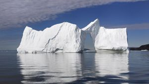 What Are Some Interesting Facts About Icebergs?