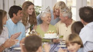What Is a Good Way to Celebrate Your Parents' 50th Wedding Anniversary?