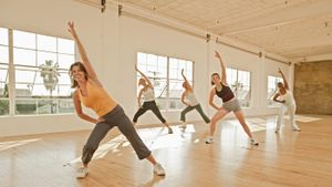 What are some common aerobics steps?
