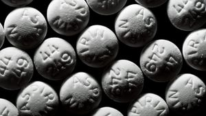 Does aspirin lower blood pressure?