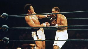 Who are the boxers who defeated Mohammed Ali?