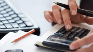 How Do You Calculate Variable Costs?