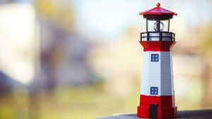 How Can I Build a Lighthouse for a School Project?