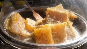 Can you eat honeycomb?