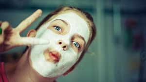How can one make a homemade facial mud mask?