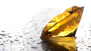 What is a canary diamond?