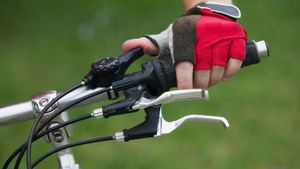 How Do You Change a Bicycle Brake Cable?