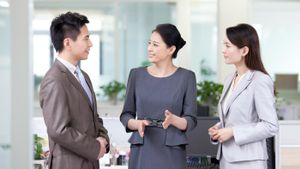 What Are Characteristics of Interpersonal Communication?