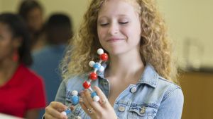 How Is Chemistry Used in Cosmetology?