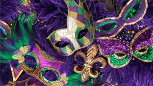What do the colors of Mardi Gras symbolize?