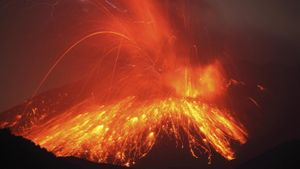 What Conditions Make for a Violent Volcanic Eruption?