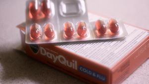 What is the correct DayQuil dosage?