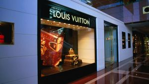 How Did Louis Vuitton Become Famous?