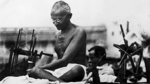 How Did Mahatma Gandhi Become Famous?