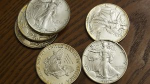 When Did the U.S. Mint Stop Making Pure Silver Coins?
