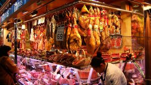 What Is the Difference Between Gammon and Ham?