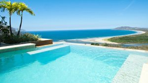 What Are the Differences Between a Pool With Salt Water and Chlorinated Water?