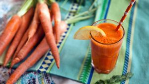 What Are the Effects of Too Much Carrot Juice?