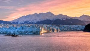 What Are Some Interesting Facts About the Hubbard Glacier?