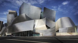 What's the Design Theme and Philosophy of Frank Gehry?