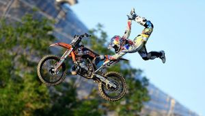 What is freestyle motocross?