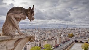 Why are there gargoyles in the Notre Dame cathedral?
