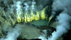 What Gases Are Produced by Volcanic Eruptions?