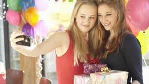 What Are Good Birthday Gifts for Teens?