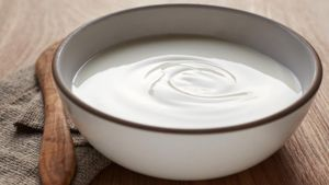What Is a Good Substitute for Creme Fraiche?