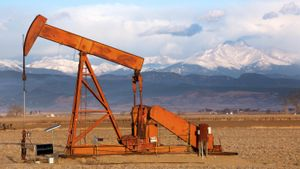 How Do Oil Wells Work?