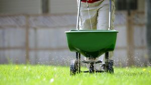 How do you write a contract to bid a job for lawn care?