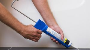 How long does caulk need to dry?