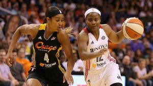 How many WNBA teams are there?
