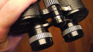 Who Invented the Binoculars?