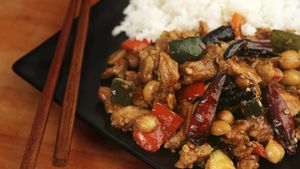 What does Kung Pao chicken taste like?