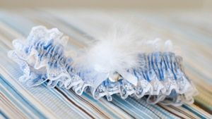 On which leg is the wedding garter worn?