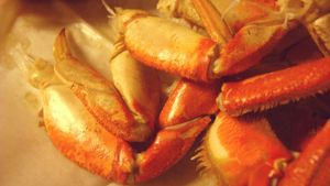 How long can frozen crab legs last?