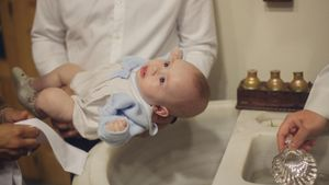 How do you make your own baptism invitations?