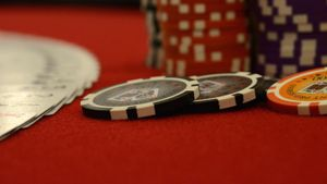 How many chips do you start with in the World Series of Poker Main Event?
