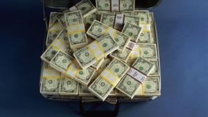 How Many Dollar Bills Will Fit in a Suitcase?