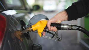How Many Gallons of Gas Does a Car Hold?