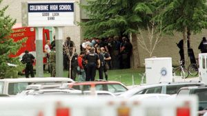 How many people died in the Columbine shooting?